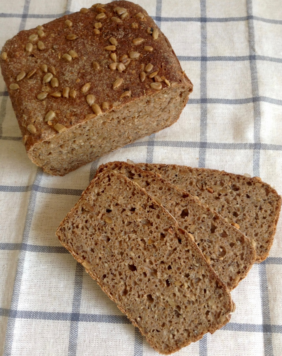 FRIESISCHES SCHWARZBROT - A HEARTY RYE FROM THE NORTH SEA COAST